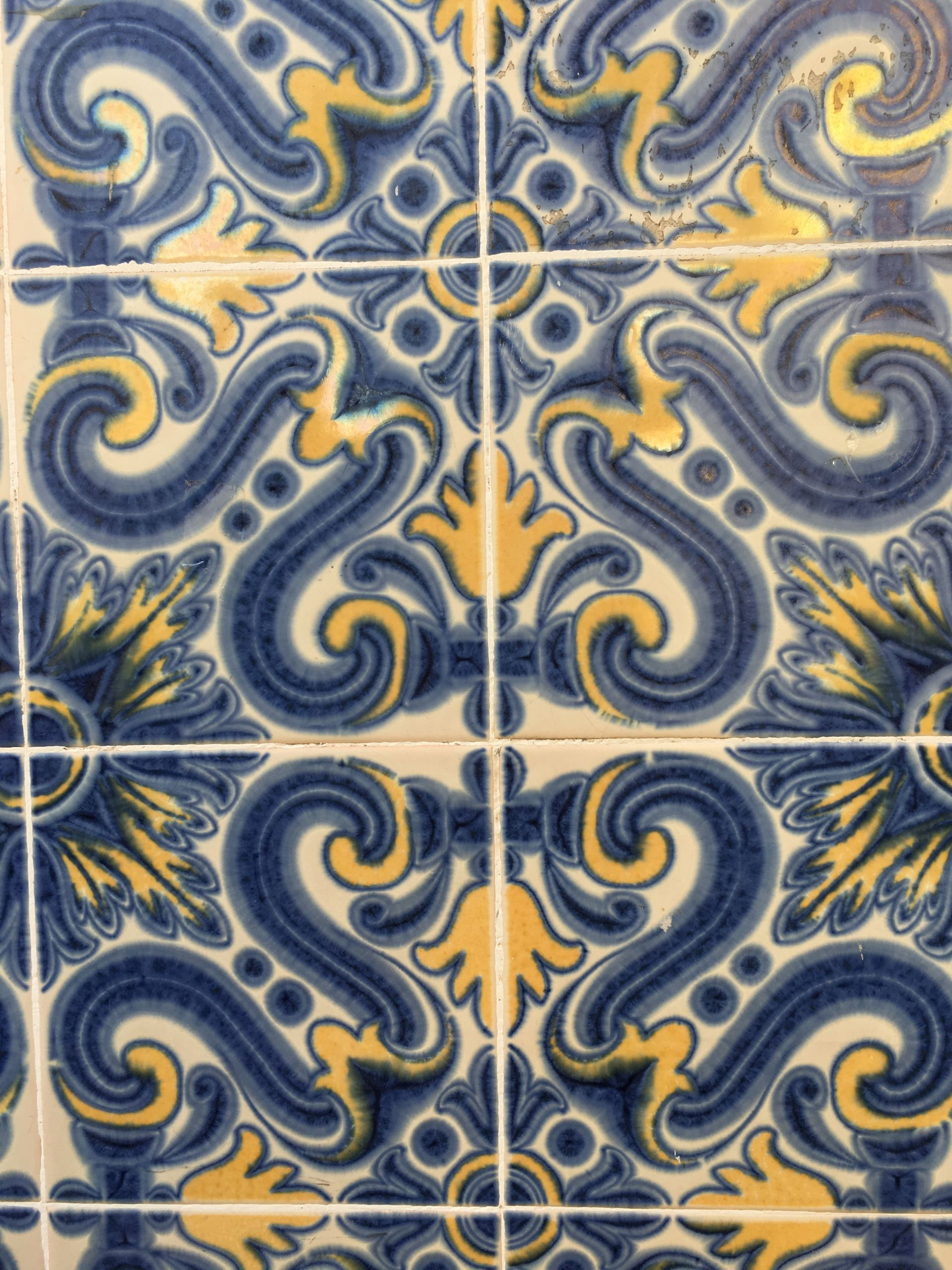 Lisbon-tiles-blue and yellow
